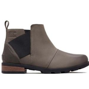 Sorel Emelie Chelsea Boots 8